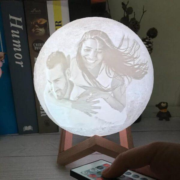 regalos-para-abuelas-personalizados-lampara-luna-03